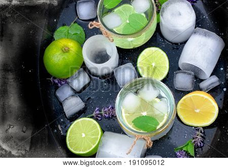 Lemon juice with ice for your refreshing in long hot summer days
