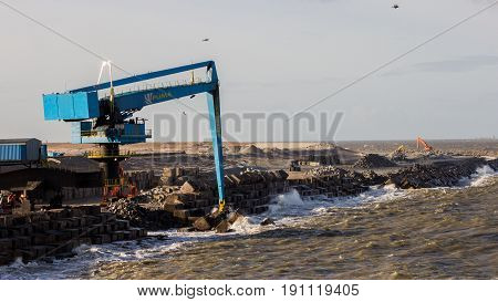 New Port Land Crane Building