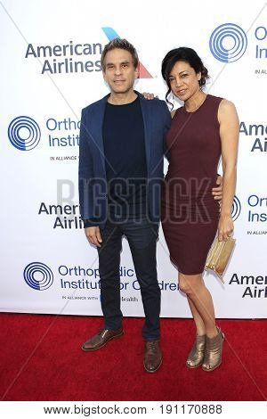 LOS ANGELES - JUN 10: Chris Rossi, Anna Khaja at the 2017 Stand For Kids Annual Gala Benefiting Orthopedic Institute For Children at The MacArthur on June 10, 2017 in Los Angeles, California