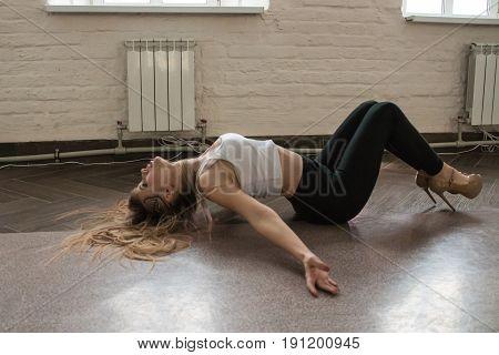 Girl Rehearses Sport Dance In A Sports Club Kiwi In Kirov City I