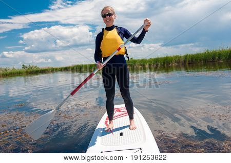 Sup Stand Up Girl With A Paddle 04
