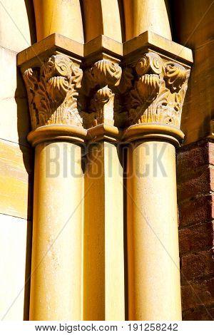 Wall Milan  Italy Old   Church Concrete Doric