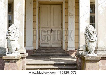 Door to palace in Zloty Potok - Europe Poland Silesia.