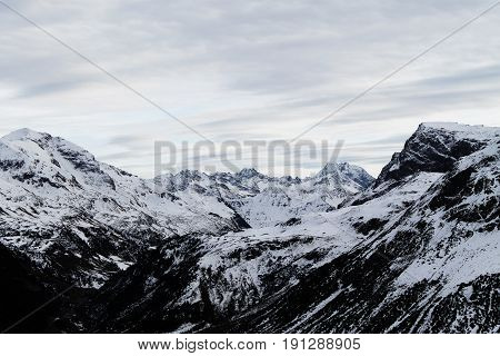 Panoramic view the mountains in Lech Zürs, Austria