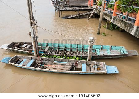 Traditional Thai Rowing Boat  Are Located In The Chao Phraya River.