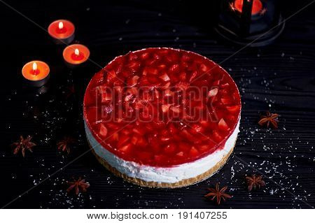 Muscovy curd cheesecake without baking.300 grams of cheese hidden in a gentle cream based cake crushed cookies, top with fresh berries in generovane puree. This cheesecake is incredibly light, tasty and summery. It is possible to eat even on a diet.