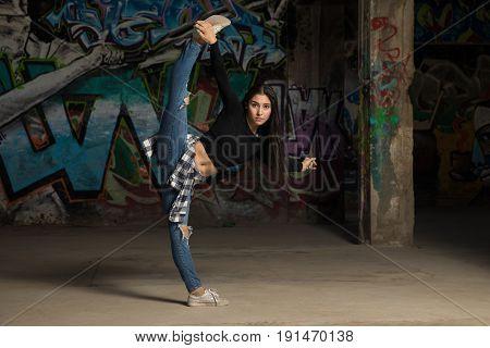 Pretty Girl Doing A Leg Split