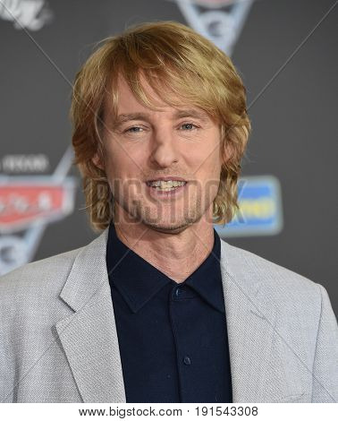 LOS ANGELES - JUN 10:  Owen Wilson arrives for the
