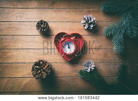 Retro Alarm Clock In Heart Shape Gfit