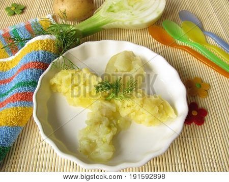 Baby menu from potatoes and fennel vegetables