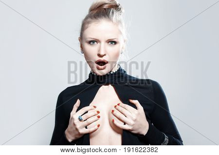 Screaming lady in strylish dress with jewelry