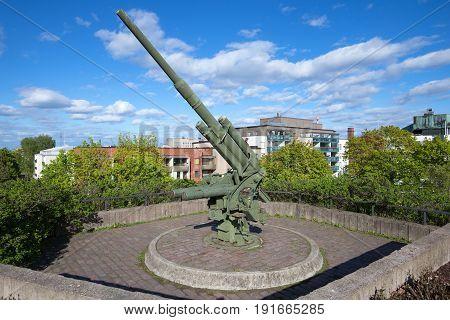 KOTKA, FINLAND - JUNE 03, 2017: Heavy German antiaircraft gun of the Second World War on the summit of Palotorninvuori on a sunny June day