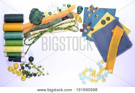 Frame for messages made of sewing kit
