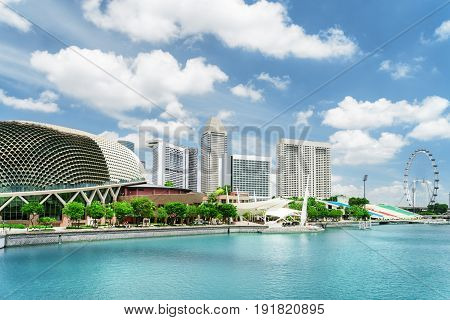 Amazing View Of Modern Buildings And Marina Bay In Singapore