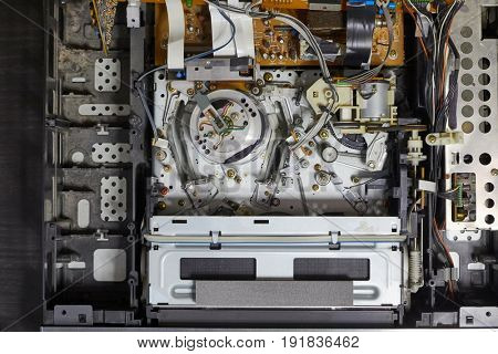 Video cassette player interor mechanism