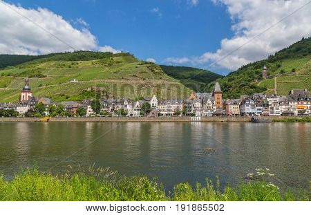 Zell at the Moselle panorama summer picture