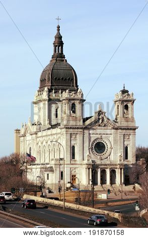 Basilica of Saint Mary in Minneapolis, Minnesota, early spring day