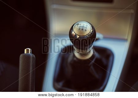six speed manual gearbox shift