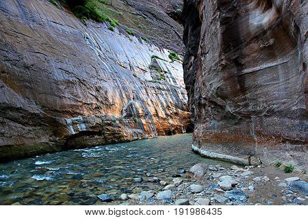 Hiking the stunning Narrows in Zion National Park Utah