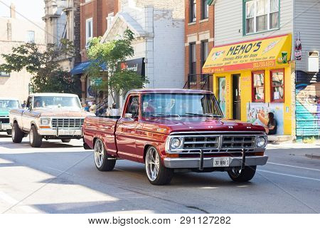 Chicago, Illinois, Usa - September 15, 2018: Pilsen Mexican Independence Day Parade, Ford, Pick Up T