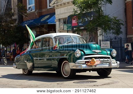 Chicago, Illinois, Usa - September 15, 2018: Pilsen Mexican Independence Day Parade, Chevrolet, Styl