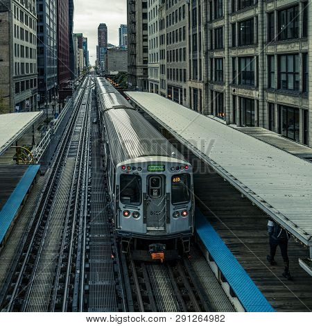 Adams Wabash Train Line Towards Chicago Loop In Chicago, Usa