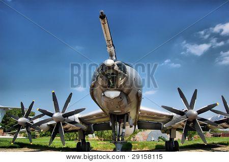 HDR.Медведь. ТУ-95. Советский стратегический бомбардировщик