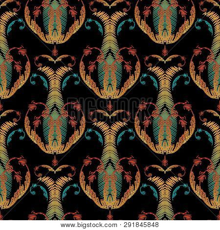 Embroidery Baroque Seamless Pattern. Damask Floral Vector Tapest