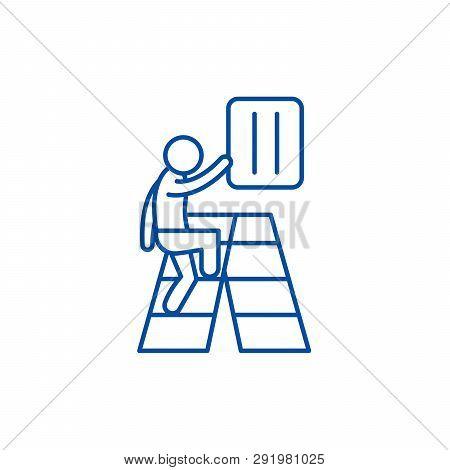 Gradual Development Line Icon Concept. Gradual Development Flat  Vector Symbol, Sign, Outline Illust