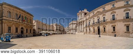 Syracuse, Italy - 08 18 2020: The White Cathedral Square In Ortigia Island In Syracuse, Italy.
