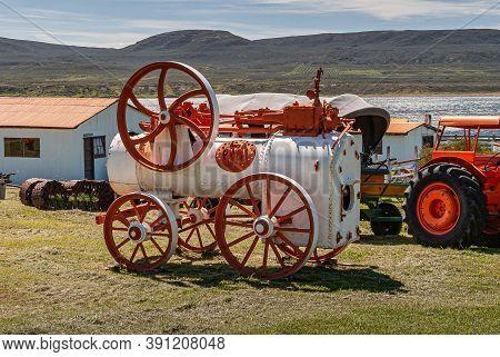 Riesco Island, Chile - December 12, 2008: Posada Estancia Rio Verde Working Farm. Closeup Of Steam E