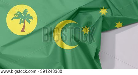 Cocos (keeling) Islands Fabric Flag Crepe And Crease With White Space, A Palm Tree On A Gold Disc, C