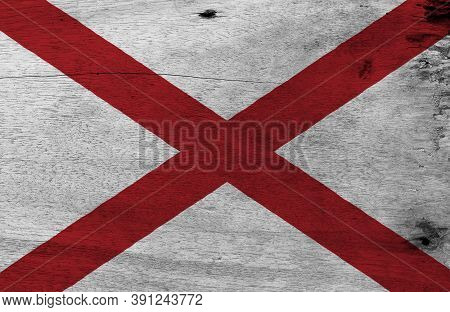 Flag Of Alabama On Wooden Plate Background. Grunge Alabama Flag Texture, The States Of America,  Red