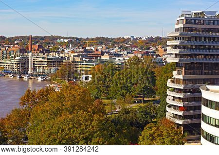 Washington Dc Suburb Near Potomac River On Sunny Morning In Autumn. Suburban Pastime In Scenic Surro
