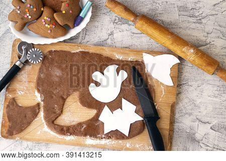 Halloween Gingerbread Cookie. Making Homemade Gingerbread Cookies For Halloween. Cutting Out Hallowe