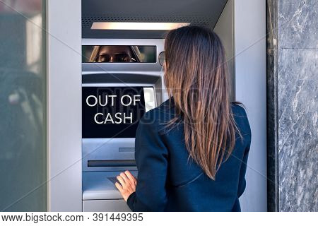Woman Tries To Take Cash Money From An Atm Machine. Atm Is Out Of Cash, No Money. Cant Withdraw Cash