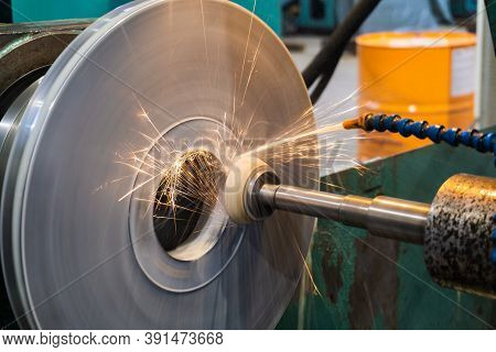 High-precision Machining Of The End Face Of The Part On A Circular Grinding Machine With An Abrasive