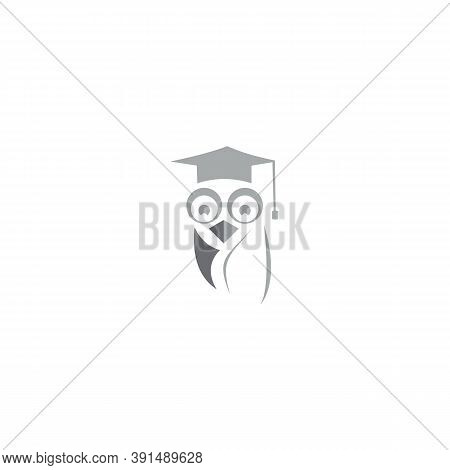 Owl Icon Isolated On White Background. Owl Icon In Trendy Design Style. Owl Vector Icon Modern And S