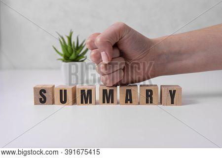 Summary Word On Wooden Cubes, Summary Concept