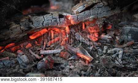 Fire With Coals In The Fire. Open Fire, Dying Embers. Beautiful Rich Colors.