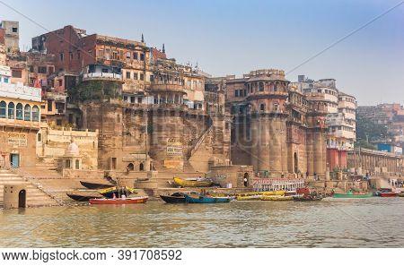 Varanasi, India - November 07, 2019: Historic Buildings At The Ganga Mahal Ghat Of Varanasi, India