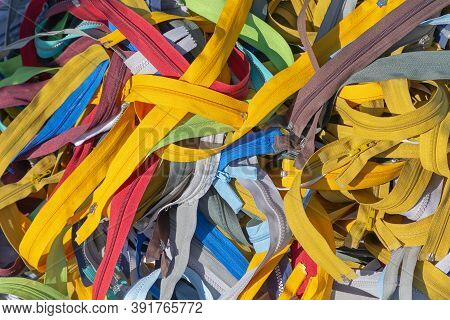 Many Colorful Fly Zippers Textile Industry Material