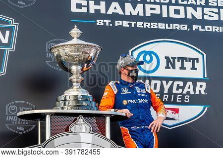 October 25, 2020 - St. Petersburg, Florida, USA: With a third place finish, SCOTT DIXON (9) of Auckland, New Zealand wins his sixth INDYCAR championship at the Firestone Grand Prix of St. Petersburg