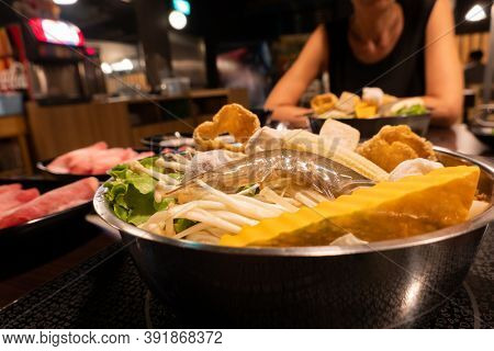 small Taiwanese hot pot with shirmp and vegetable