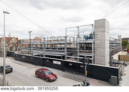 Weston-super-mare, Uk - May 5, 2012: A New Multi-storey Car Park Under Construction As Part Of The D