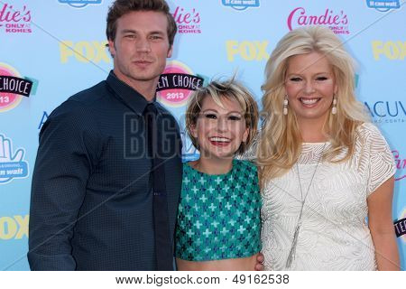 LOS ANGELES - AUG 11:  Derek Theler, Chelsea Kane, Melissa Peterman at the 2013 Teen Choice Awards at the Gibson Ampitheater Universal on August 11, 2013 in Los Angeles, CA