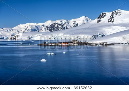 Antarctica Research Chileen Base Station
