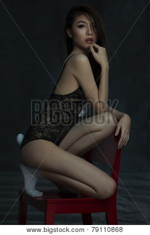 Asian Girl in lingere
