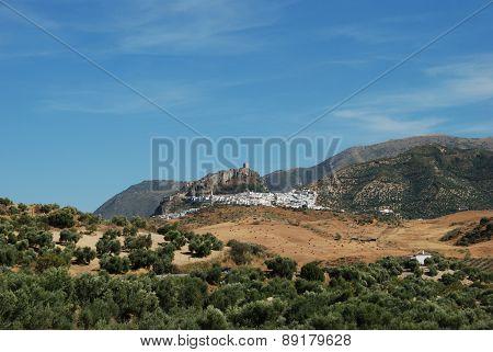 Village in mountains, Zahara de la Sierra.