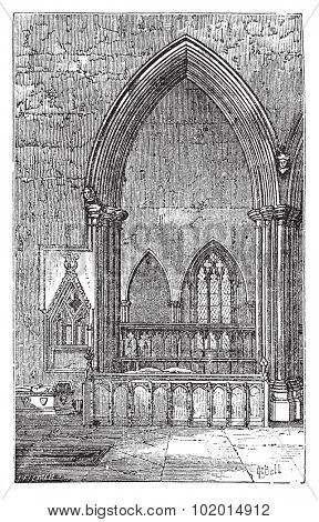 Decoracted gothic arch in Dorchester Abbey in Dorchester-on-Thames, Oxfordshire, England. Old engraved illustration of the Abbey interior arches.